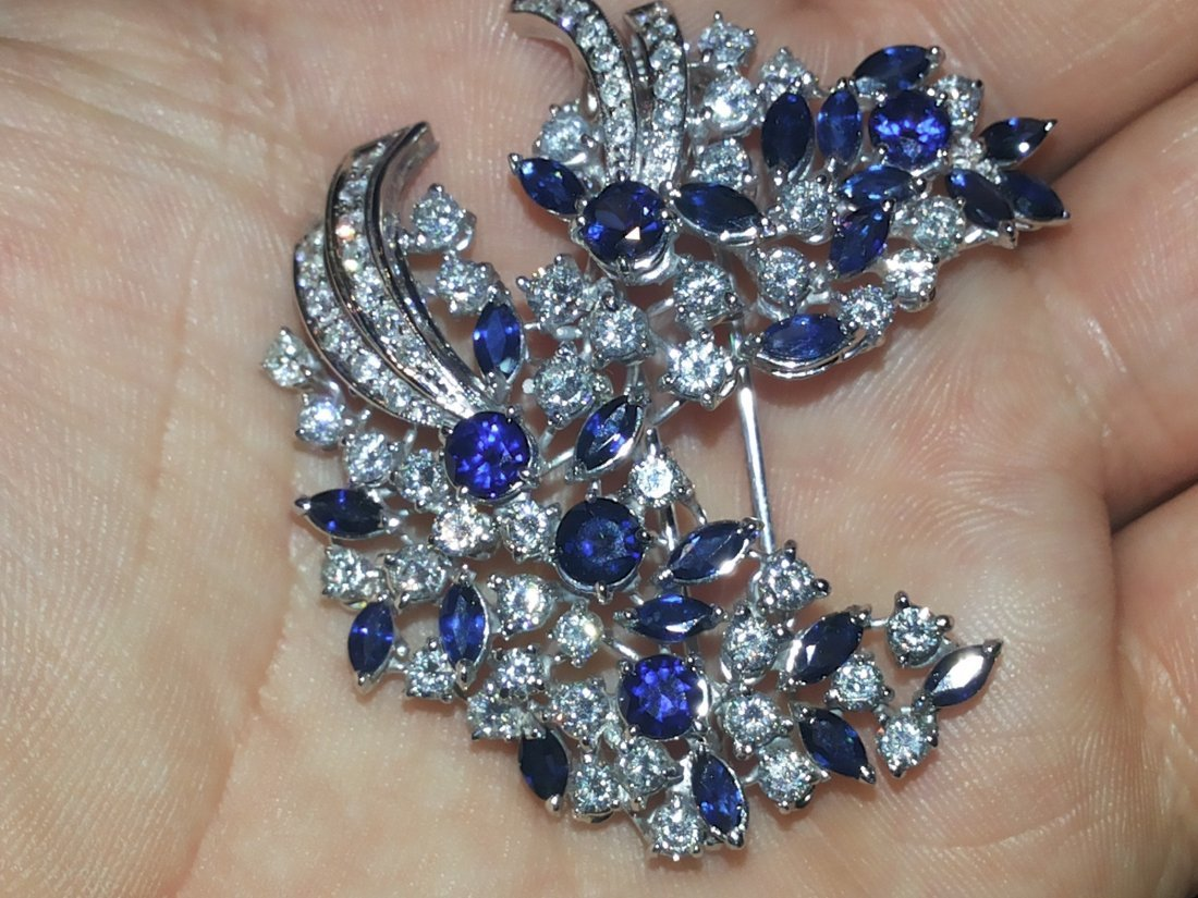 SAPPHIRE AND DIAMOND BROOCHE