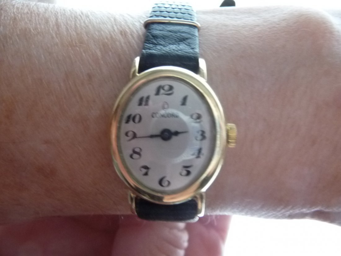 CONCORD SOLID 14K LADIES WATCH /BOX