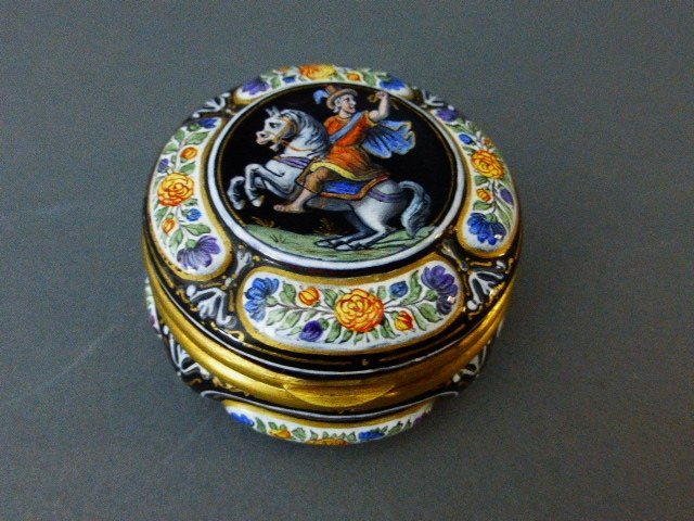 CONTINENTAL SILVER GILT AND ENAMEL SNUFF BOX