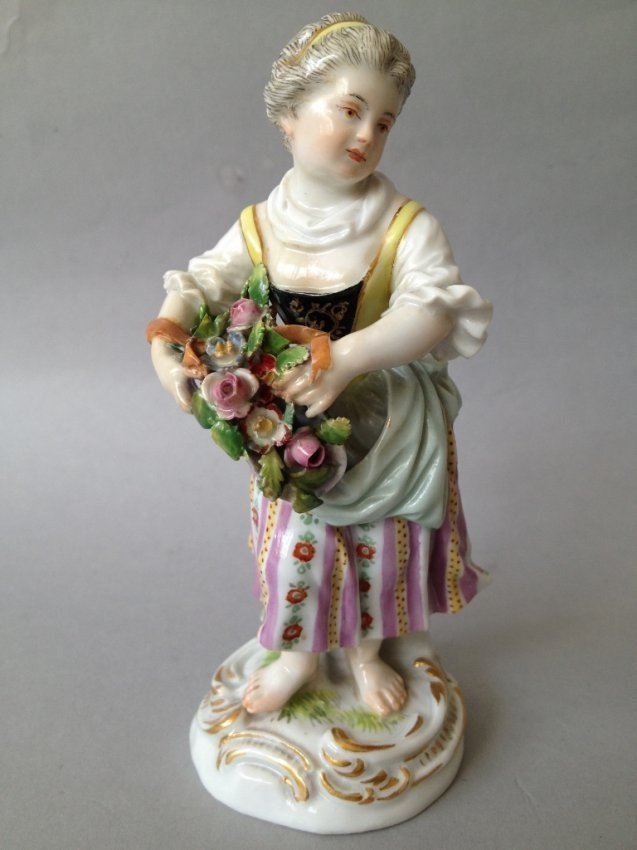 19TH CENTURY MEISSEN FIGURE