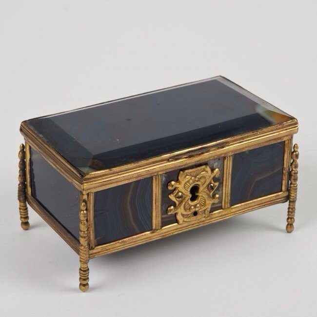 19TH CENTURY AGATE BOX
