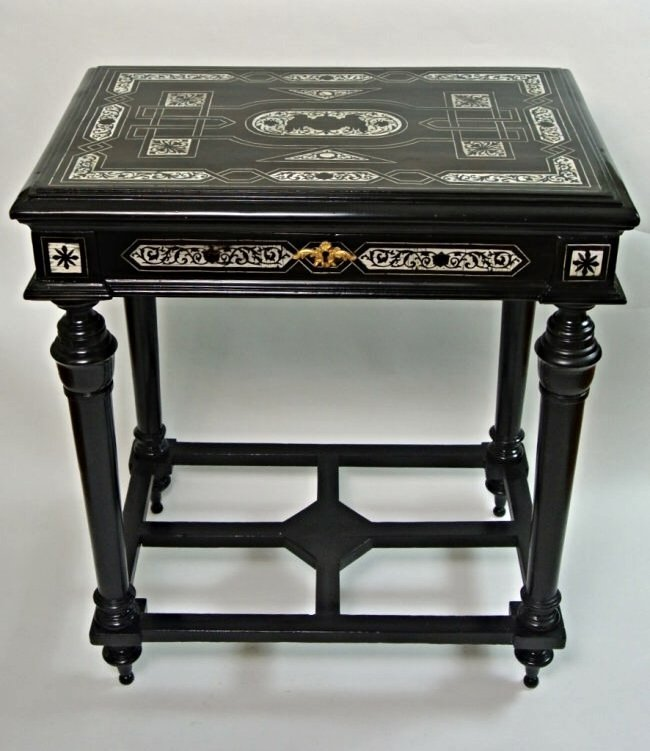 19TH CENTURY ITALIAN INLAID EBONY TABLE