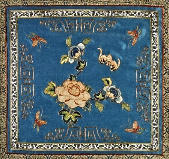 ANTIQUE CHINESE SILK EMROIDERY