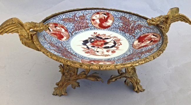 19 TH CENTURY DORE BRONZE AND CHINESE PORCELAIN