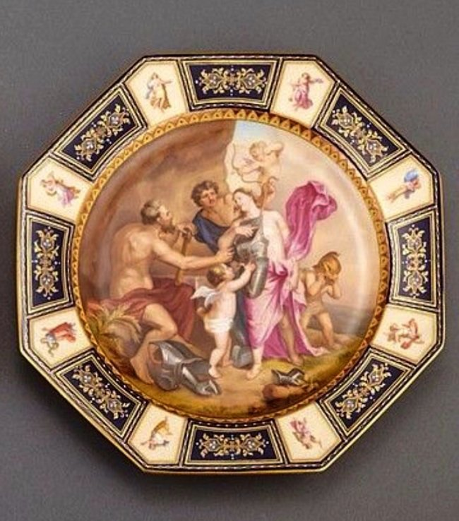 19TH CENTURY ROYAL VIENNA PORCELAIN PLATE