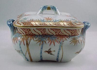 13: Fine Meiji Period Fukagawa Imari Serving Bowl