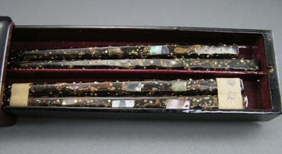 101: Antique Japanese 1920s Lacquer MOP Chopsticks Box - 4