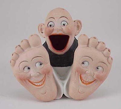 485: Schafer & Vater Happy Feet Boy Match Holder