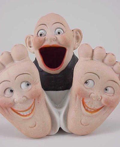 485: Schafer & Vater Happy Feet Boy Match Holder - 2