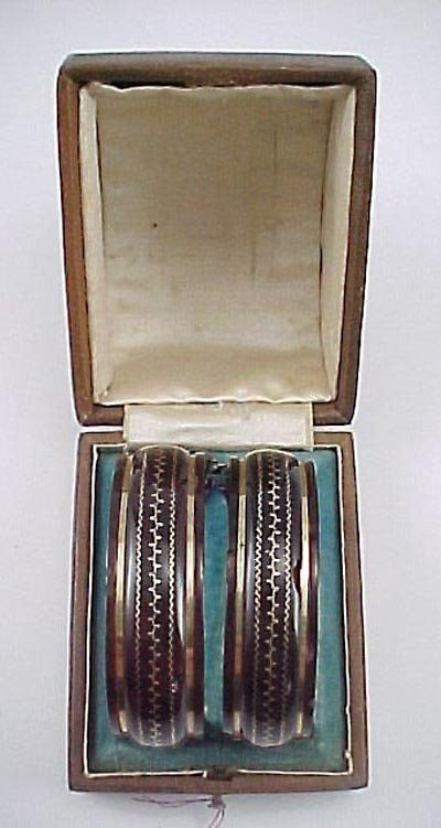816: Pair Victorian 1860 Gold & Shell Bangle Bracelet s - 3