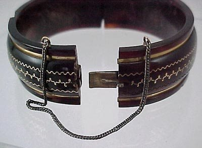 816: Pair Victorian 1860 Gold & Shell Bangle Bracelet s - 4