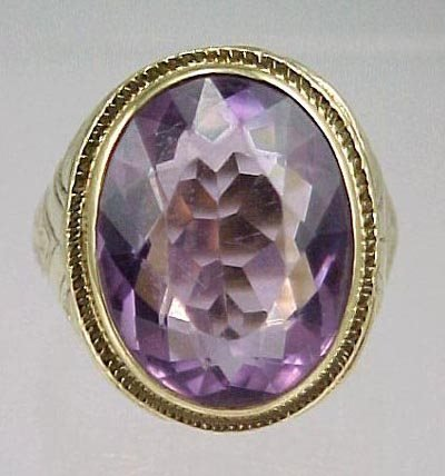 824: Art Deco 14K Yellow Gold 1920s Amethyst Ring