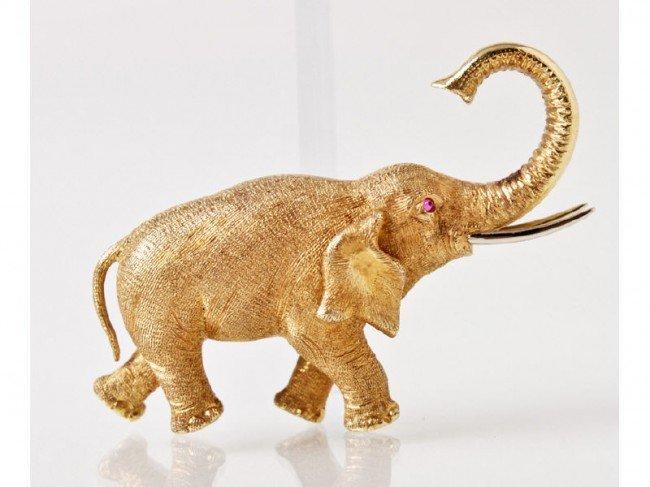 179: Italian 18K Gold Italy Elephant Pin Ruby Eye