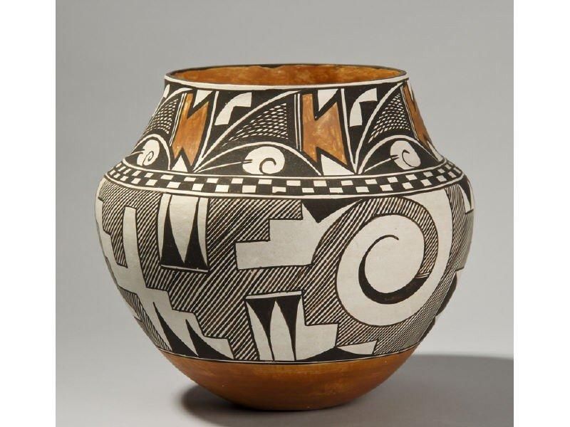 163: Acoma Native American Indian Pottery - Juana Leno