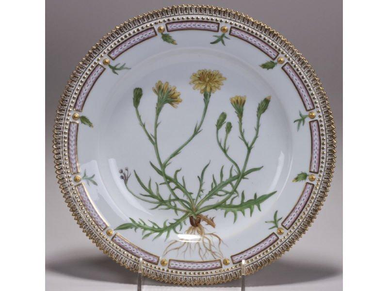 Royal Copenhagen Danica Leontodon Autumnalis Plate