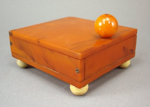 24: Art Deco 1930s Butterscotch Bakelite Box