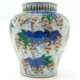 China Porcelain Wucai decor Vase