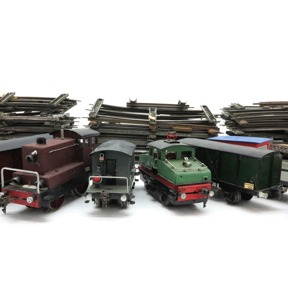 Diverse Lot of Vintage Marklin Cars and Rails - 3