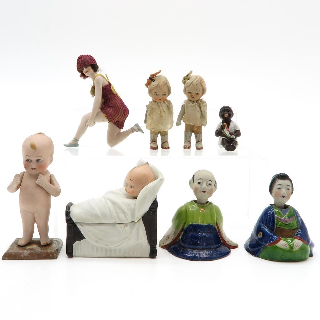 Diverse Lot of 8 Dolls