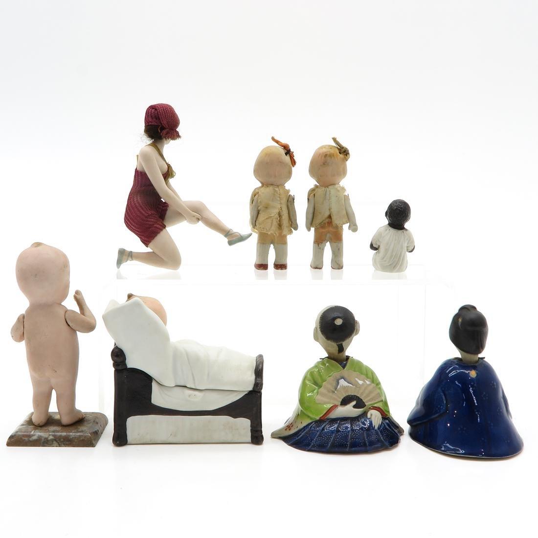 Diverse Lot of 8 Dolls - 2