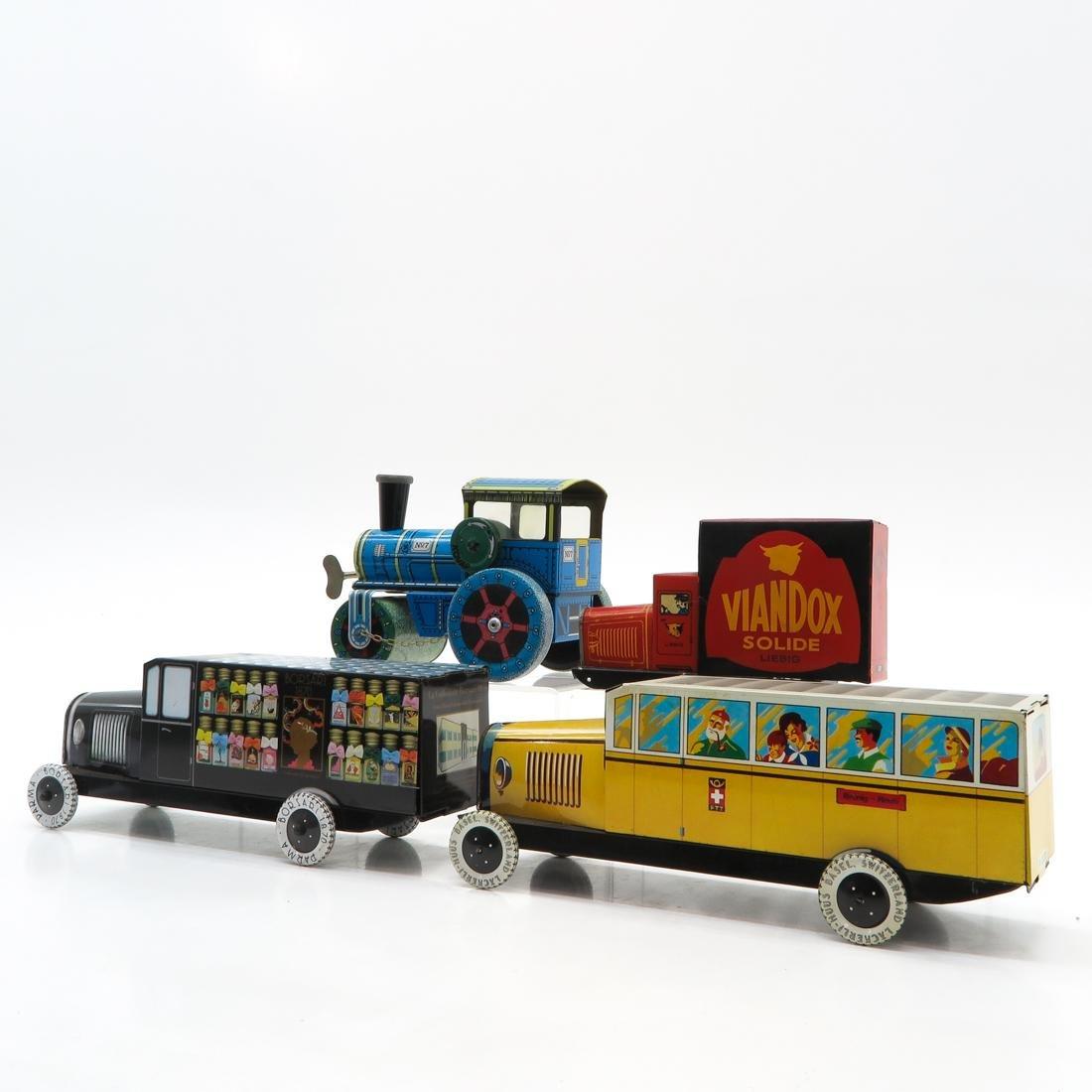 Diverse Lot of Vintage Toys - 3