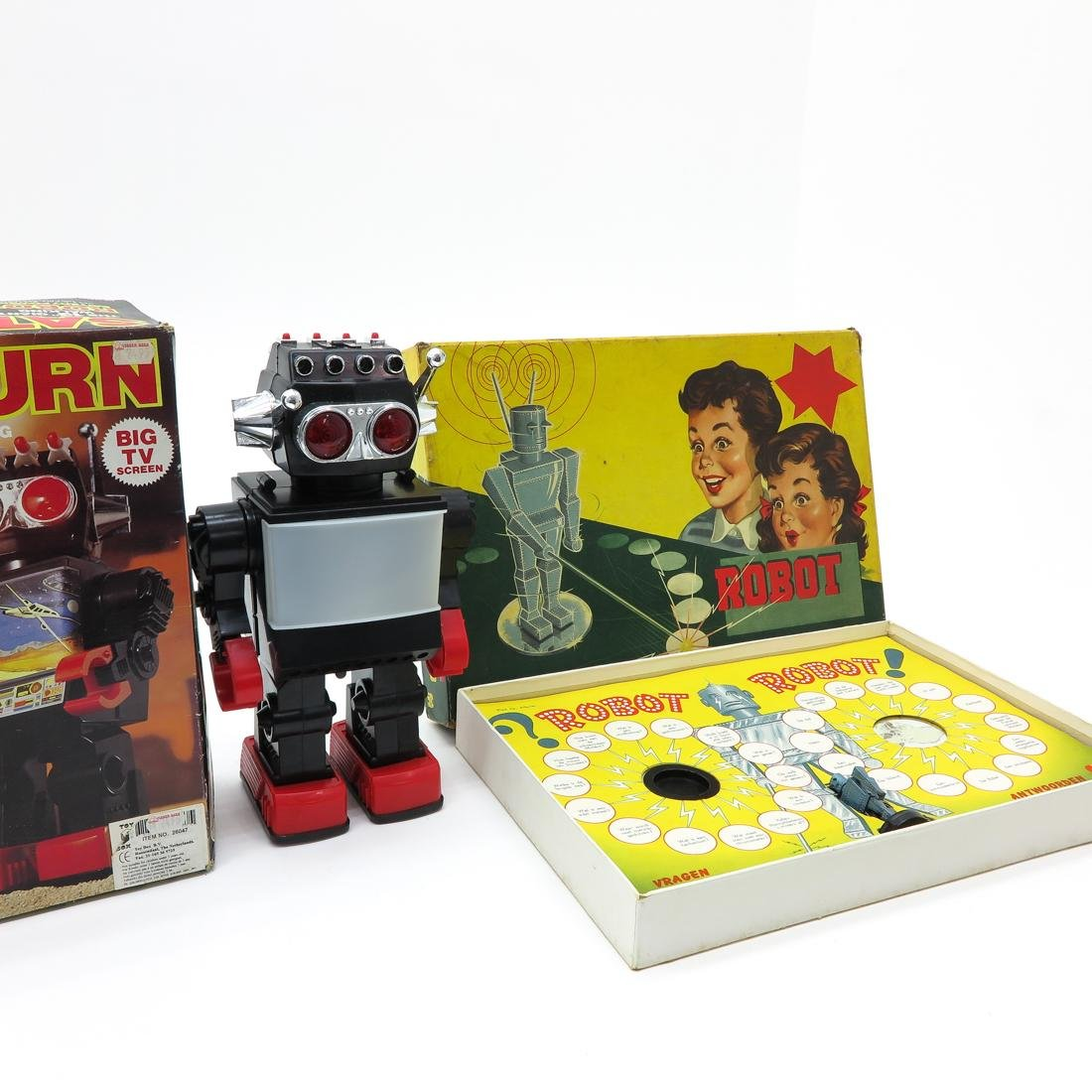 Saturn Giant Walking Robot and Robot Board Game - 2