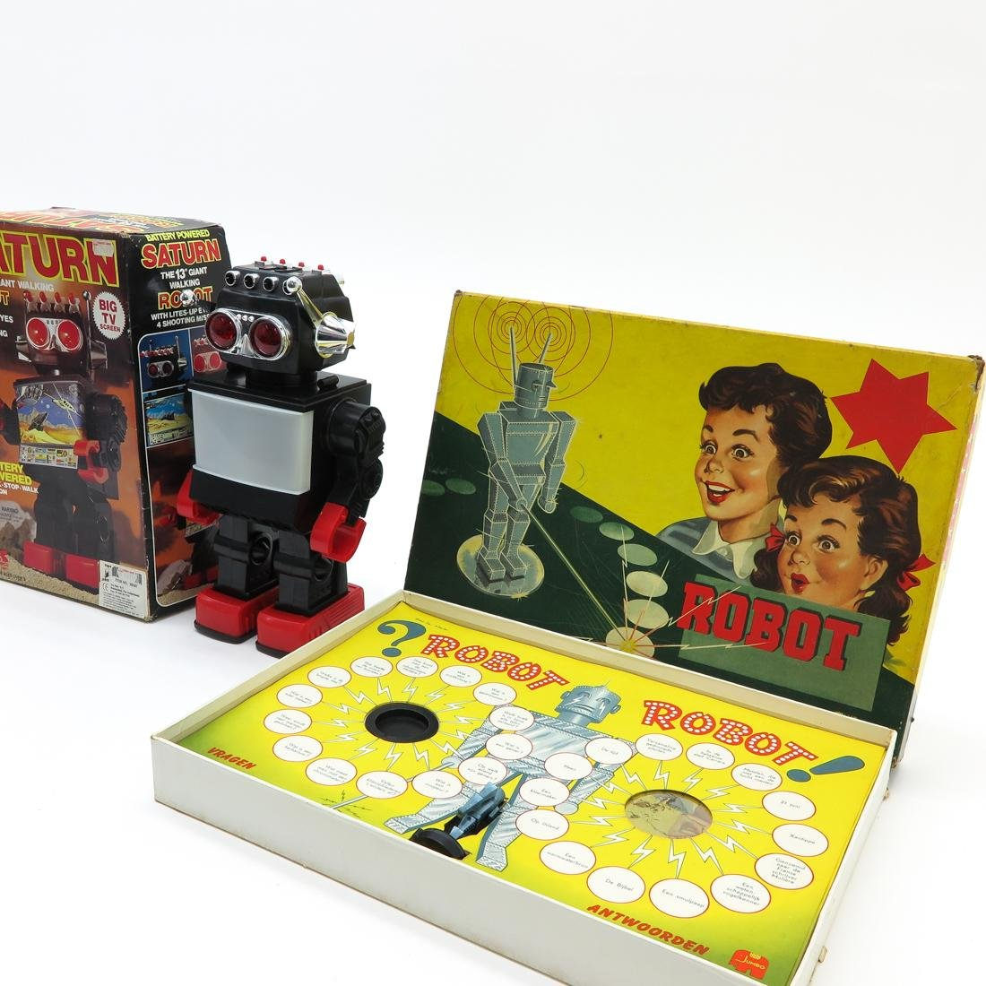 Saturn Giant Walking Robot and Robot Board Game - 3