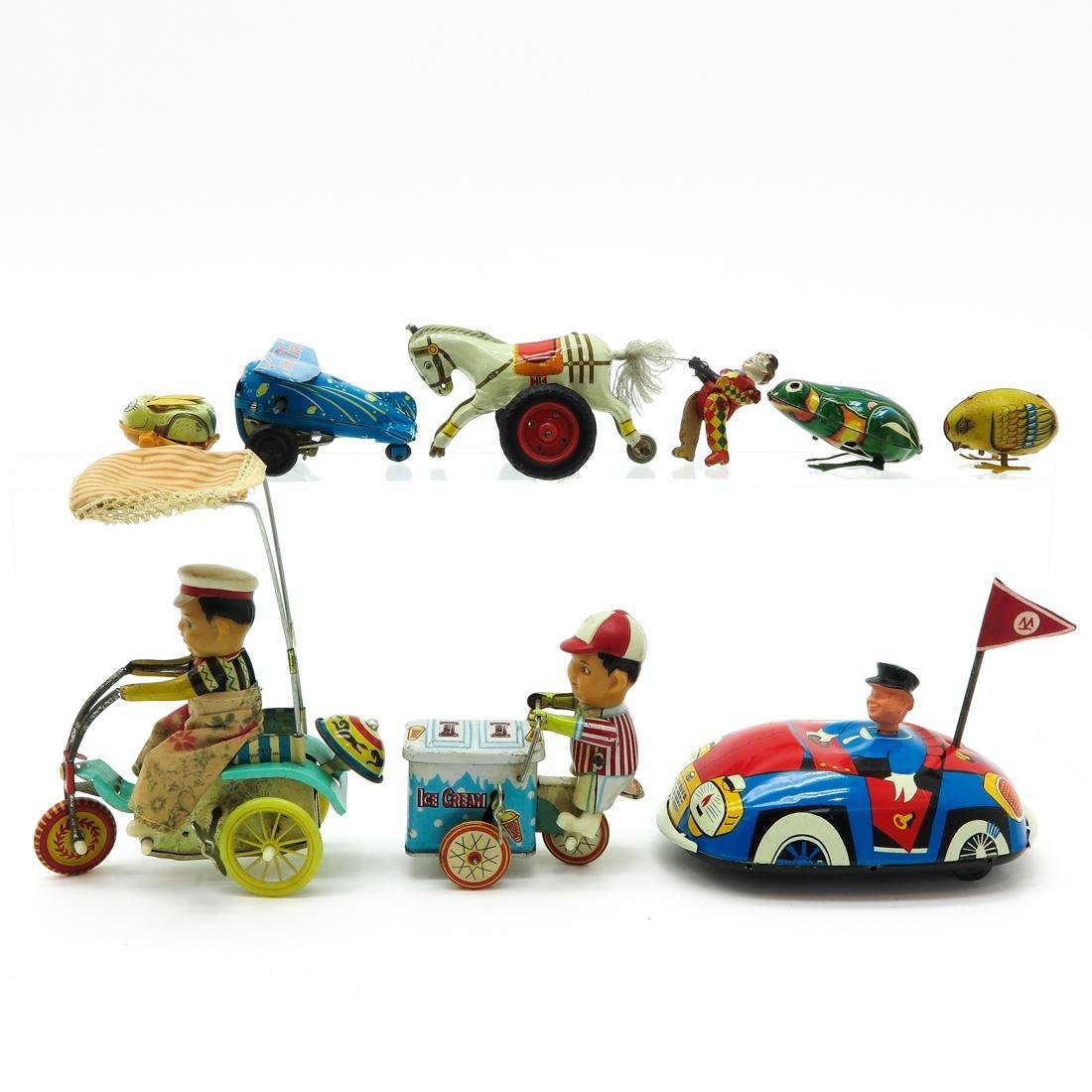 Diverse Lot of 8 Vintage Toys