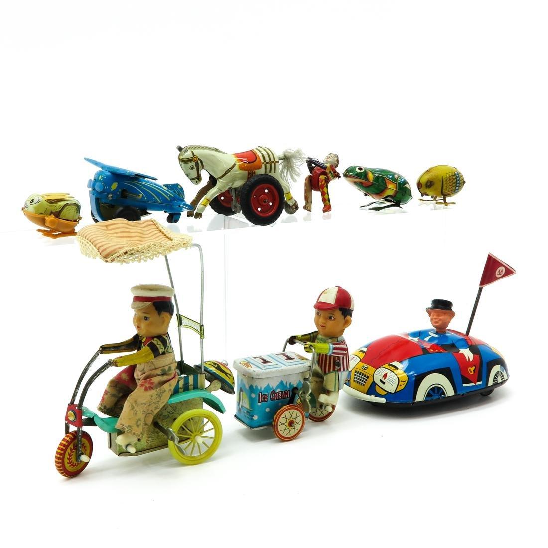 Diverse Lot of 8 Vintage Toys - 2