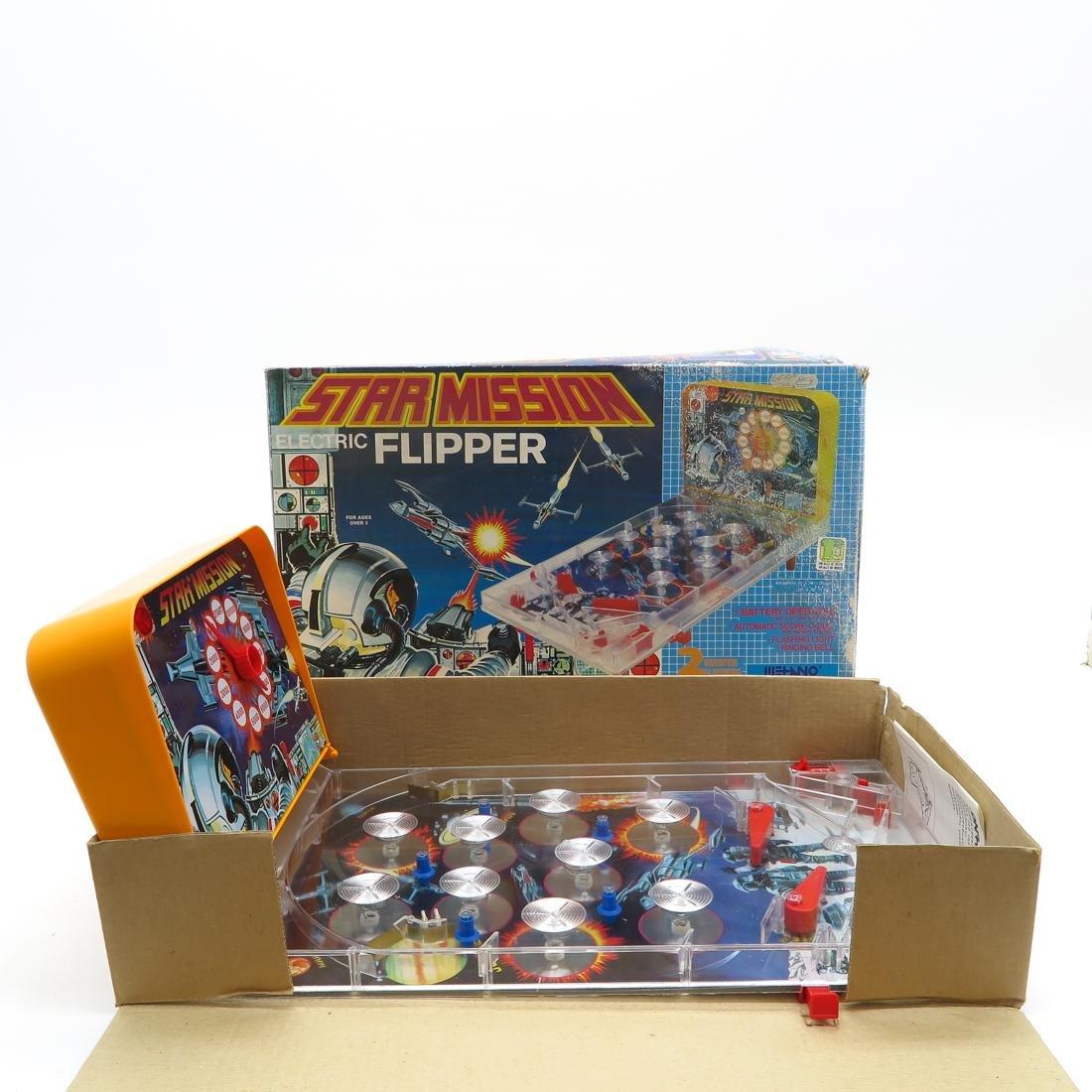 Lot of 6 Vintage Games - 2