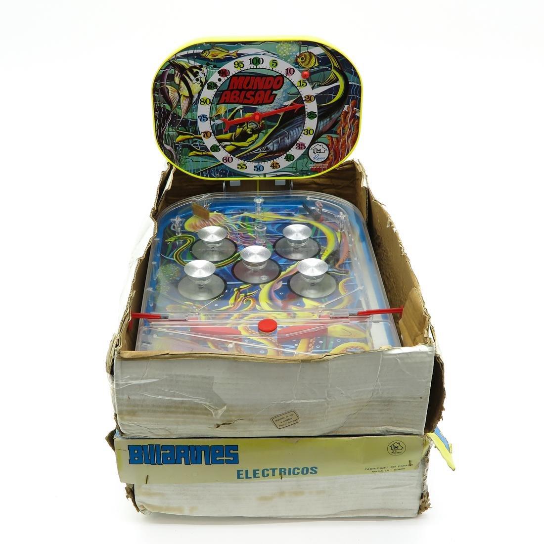 Lot of 6 Vintage Games - 3