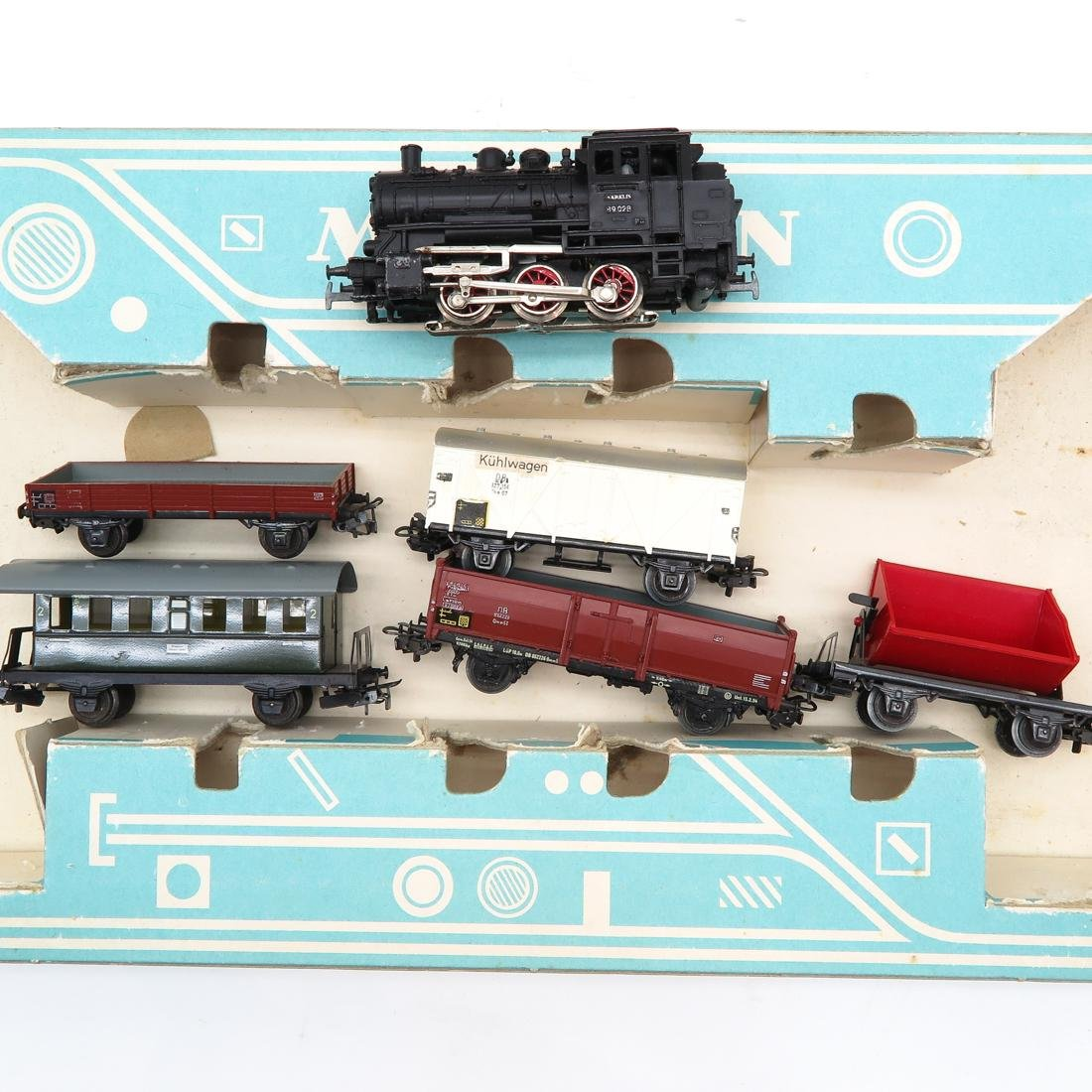 Diverse Lot of Vintage Marklin Train & Accessories - 2