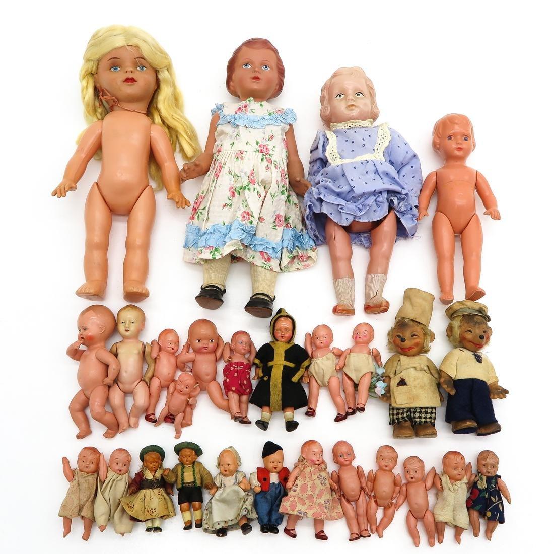 Diverse Lot of Vintage Dolls
