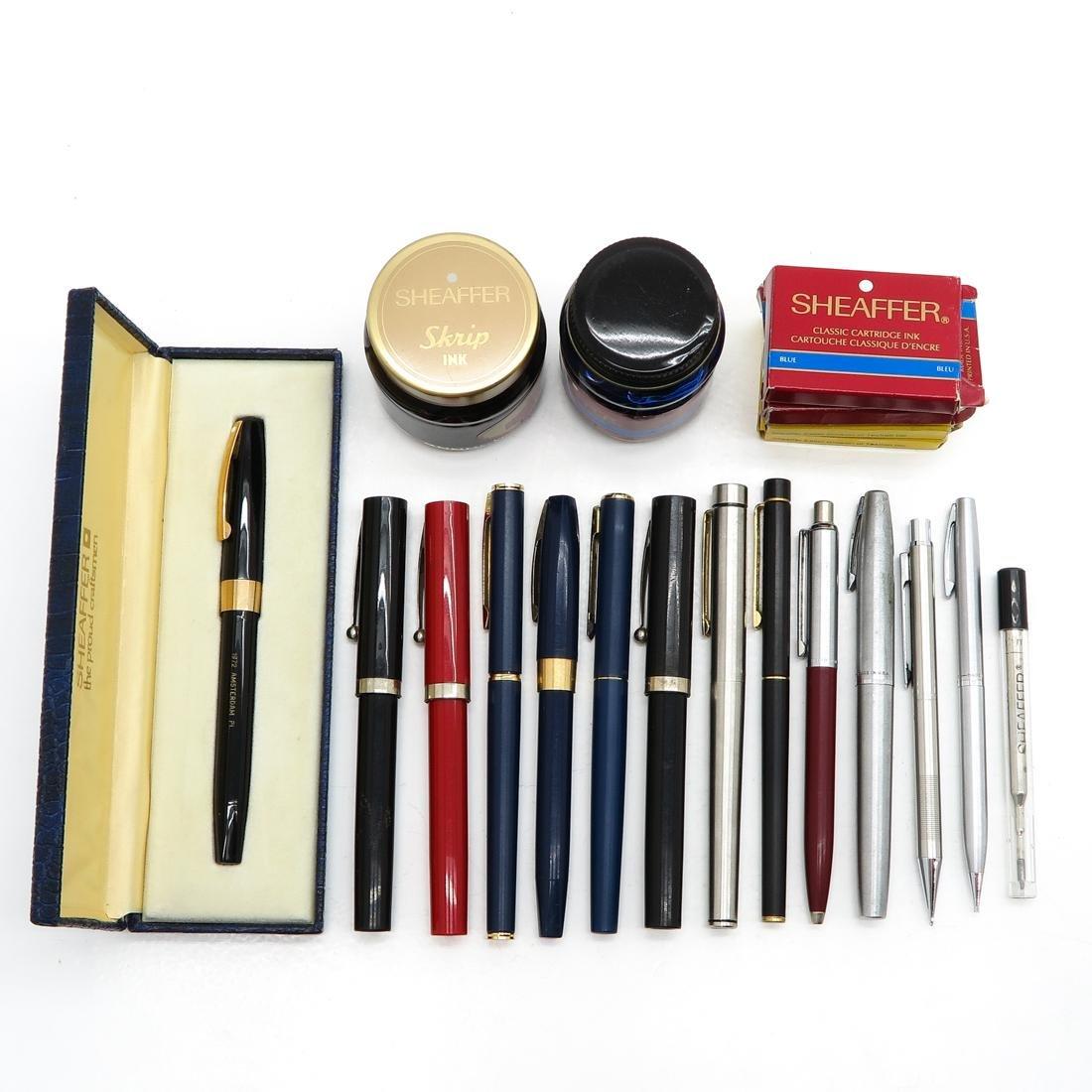 Diverse Lot of Vintage Pens