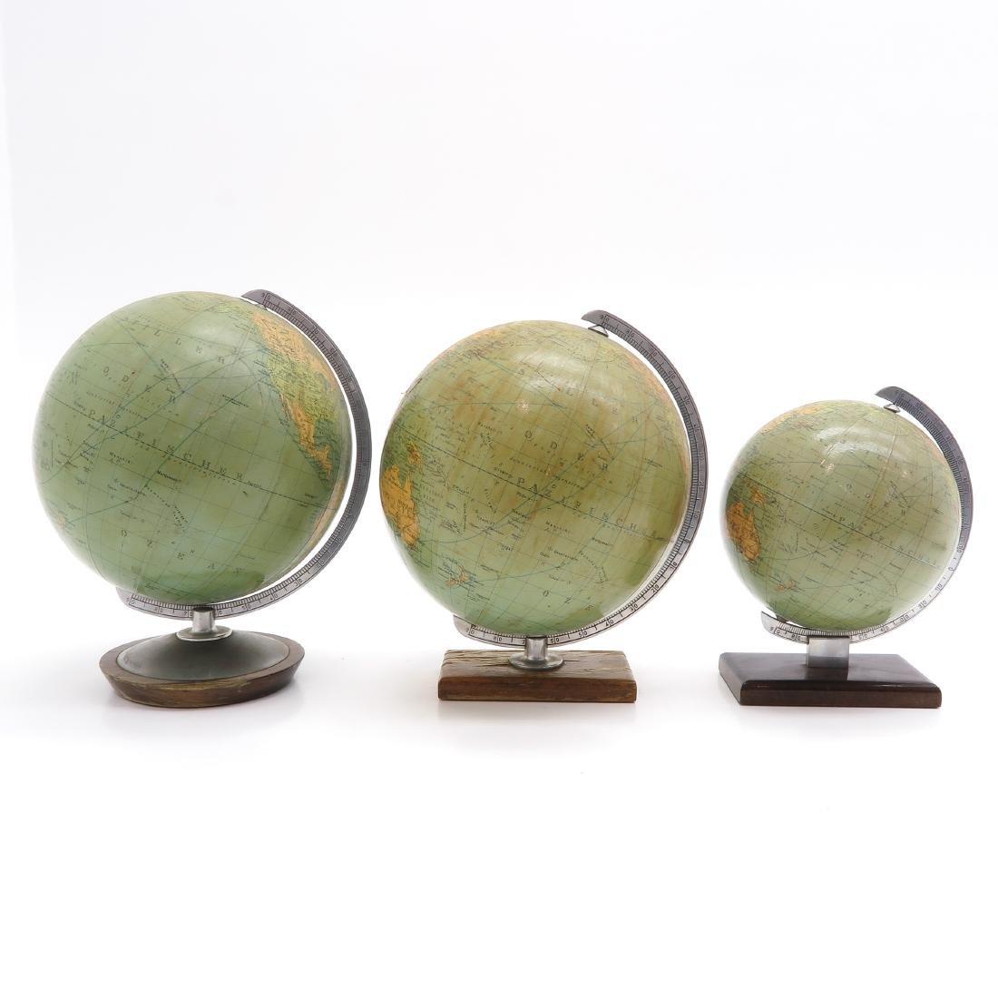 A Lot of 3 Columbus Erdglobus Globes - 2