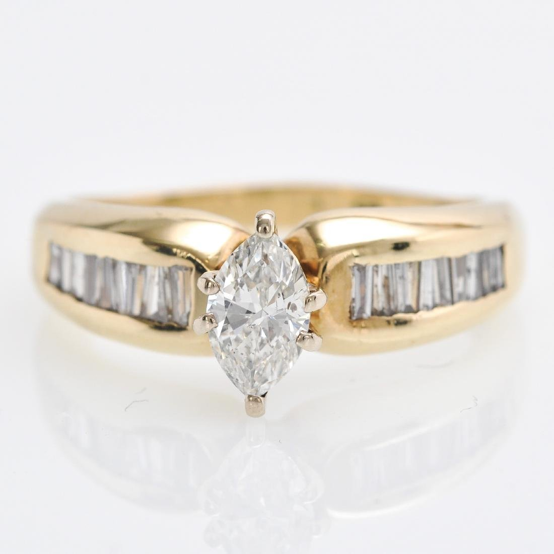 A 14KG Ladies Diamond Ring Approximately 0.86 CTW