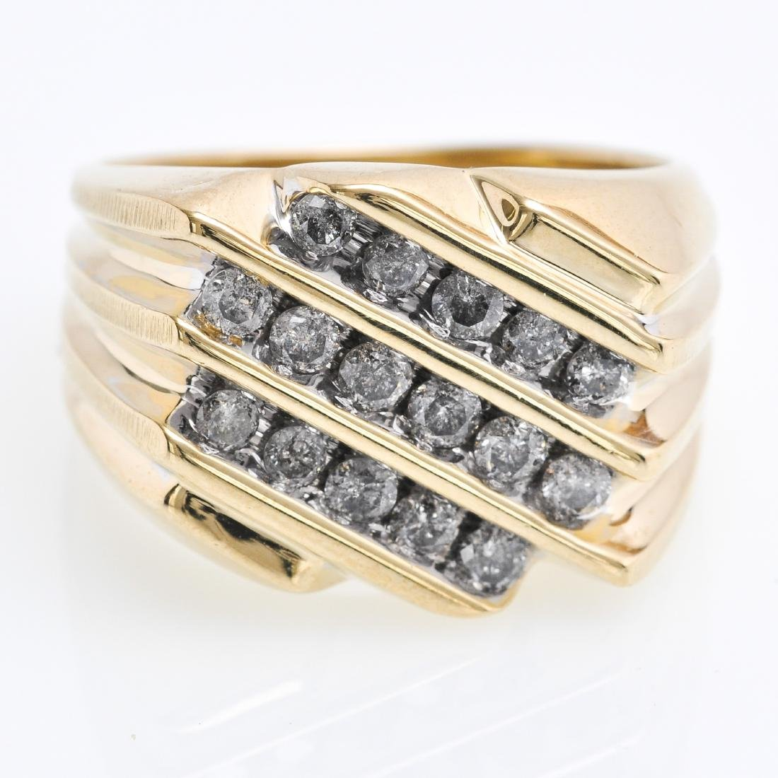 A 10KG Ladies Diamond Ring Approximately 1 CTW