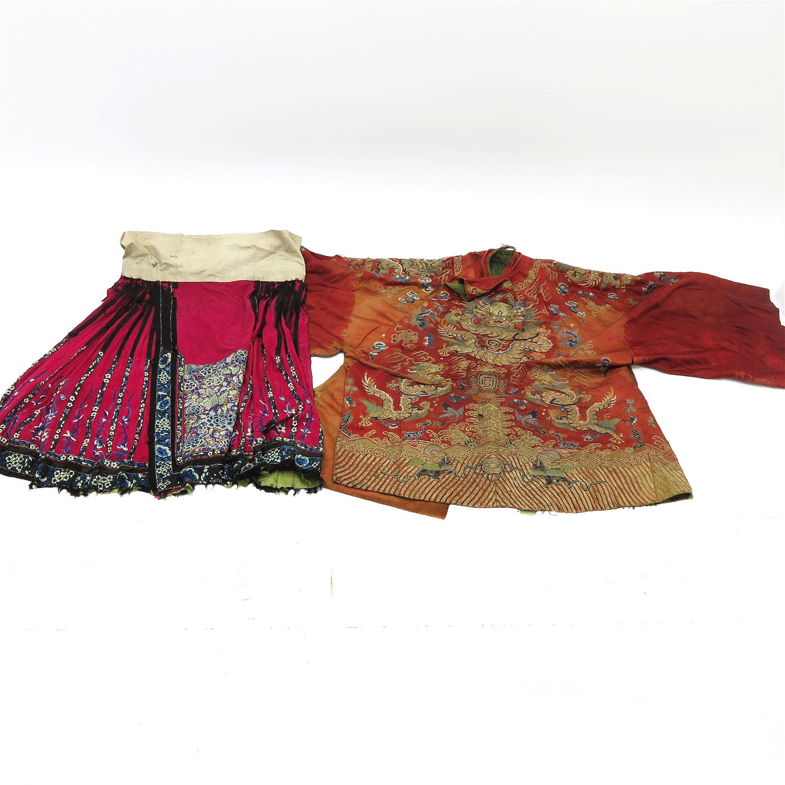 A Chinese Silk Embroidered Robe