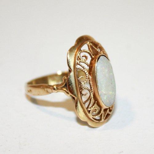 14KG Opal Ladies Ring