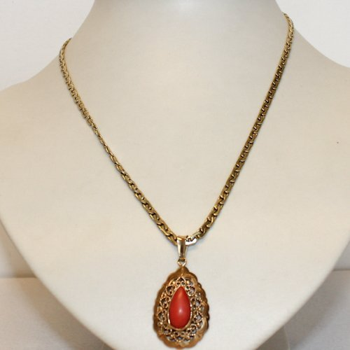 14KG Necklace with Red Coral Pendant