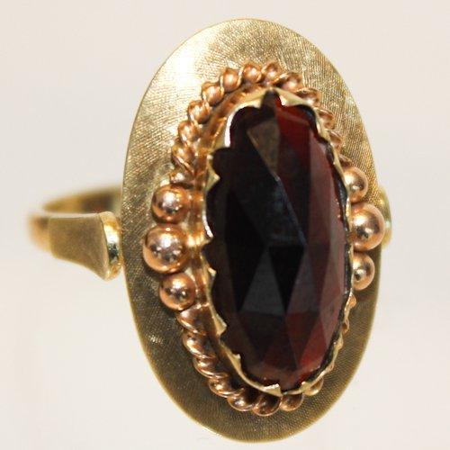 14KG Ring with Large Garnet