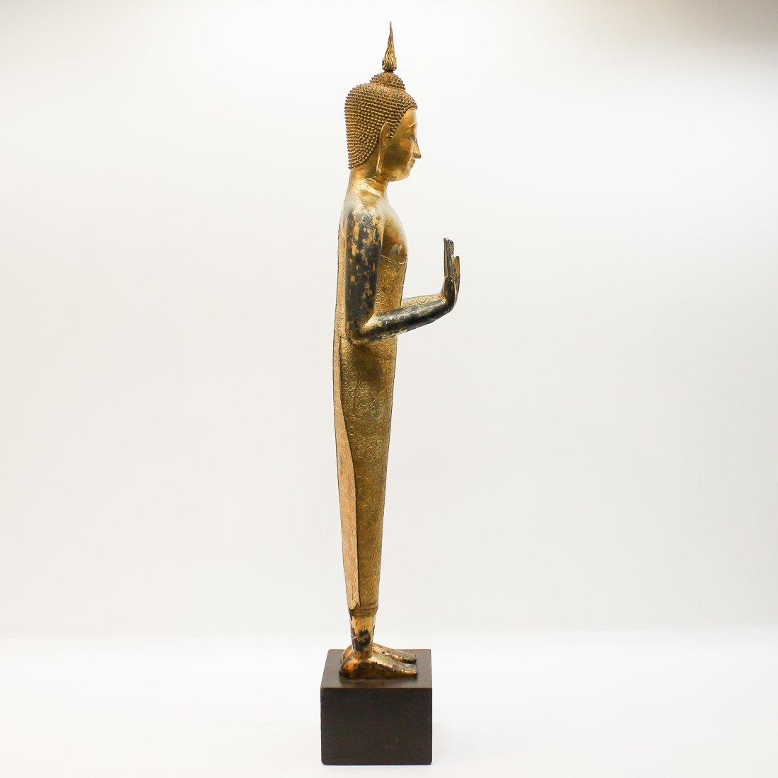 A Fine 19th Century Bronze Gilt Buddha in Abhaya Mudra - 4