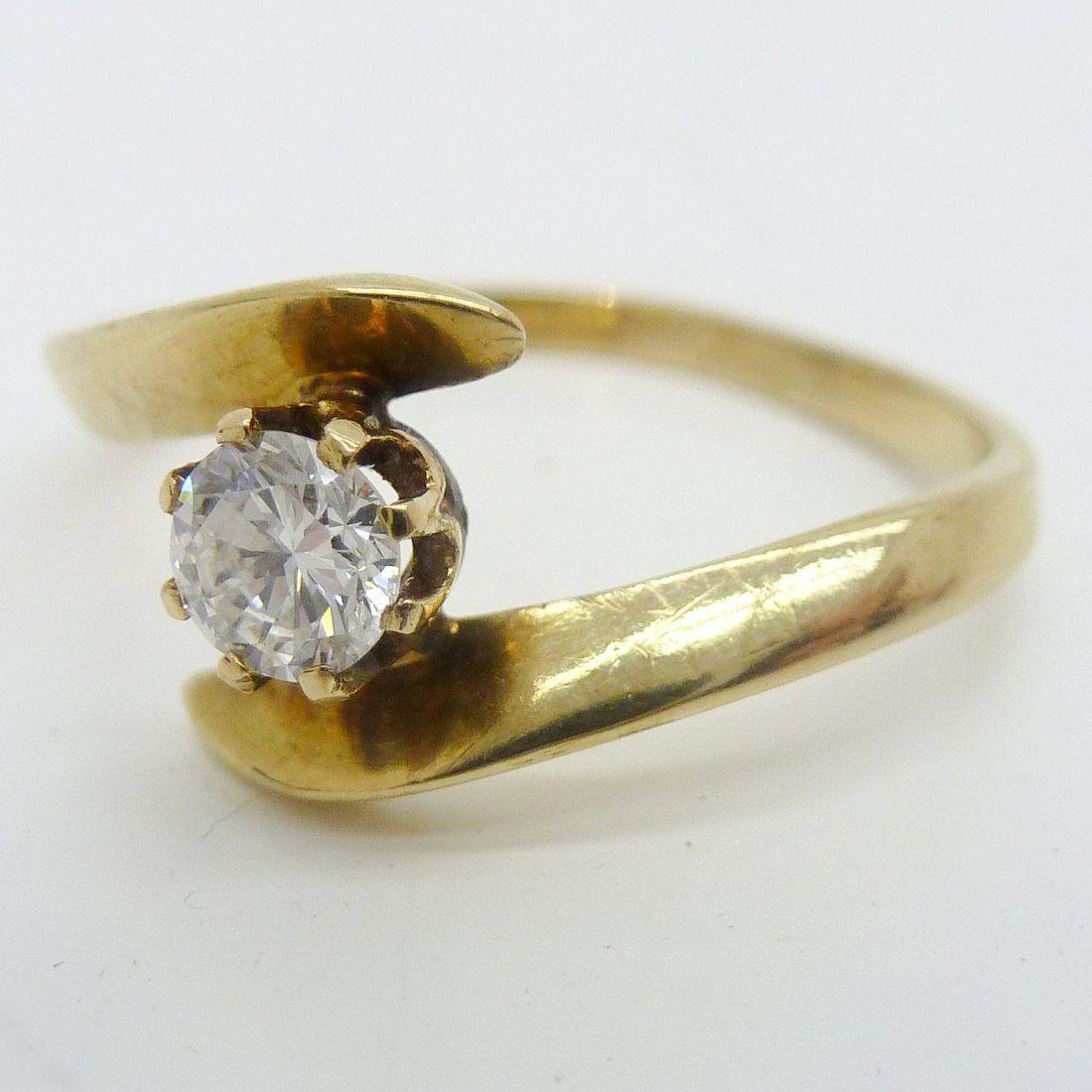 14KG Ladies Diamond Solitaire Ring
