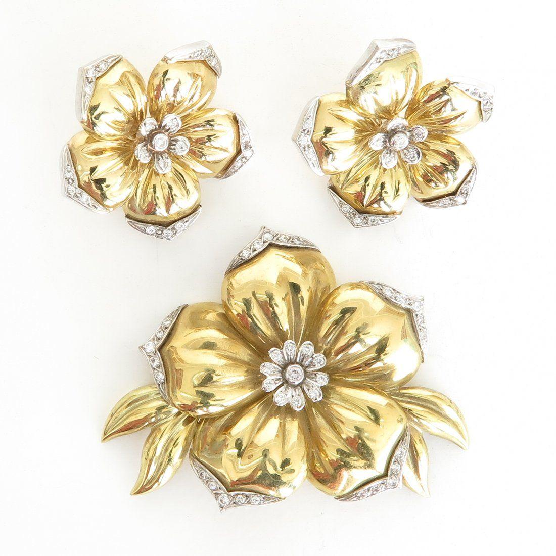 A Beautiful Set of 18KG Diamond Brooch & Earrings