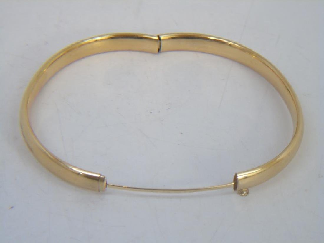 Pair Estate Etched 14k Yellow Gold Bangle Bracelet - 2