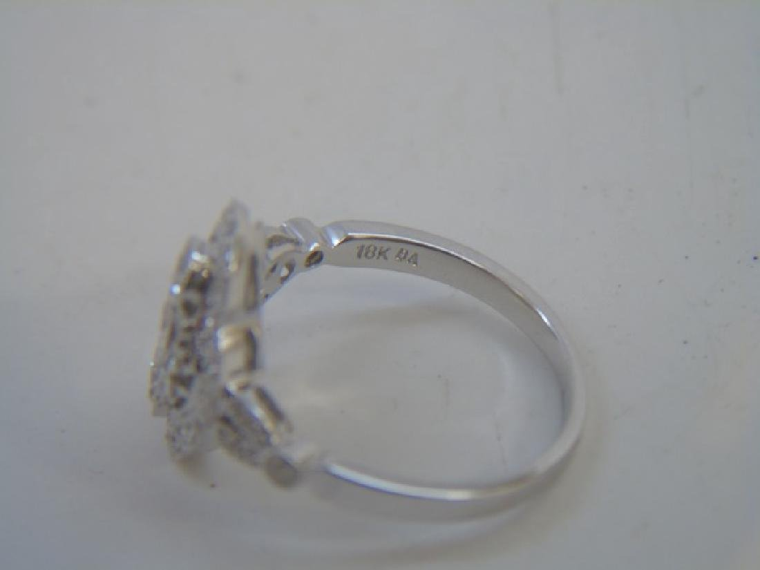 Contemporary 18kt White Gold & Diamond Ring - 2