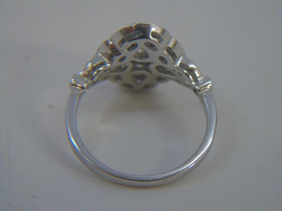 Contemporary 18kt White Gold & Diamond Ring - 4