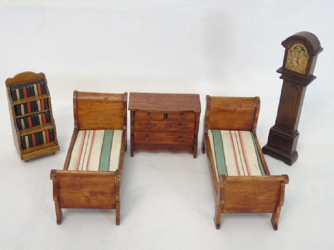 Antique Dollhouse Tynietoy Miniature Furniture