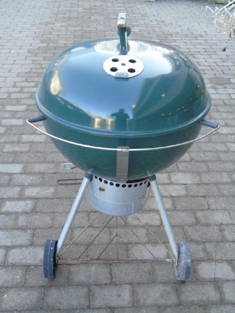 Late Model Weber Outdoor Grill in Hunter Green