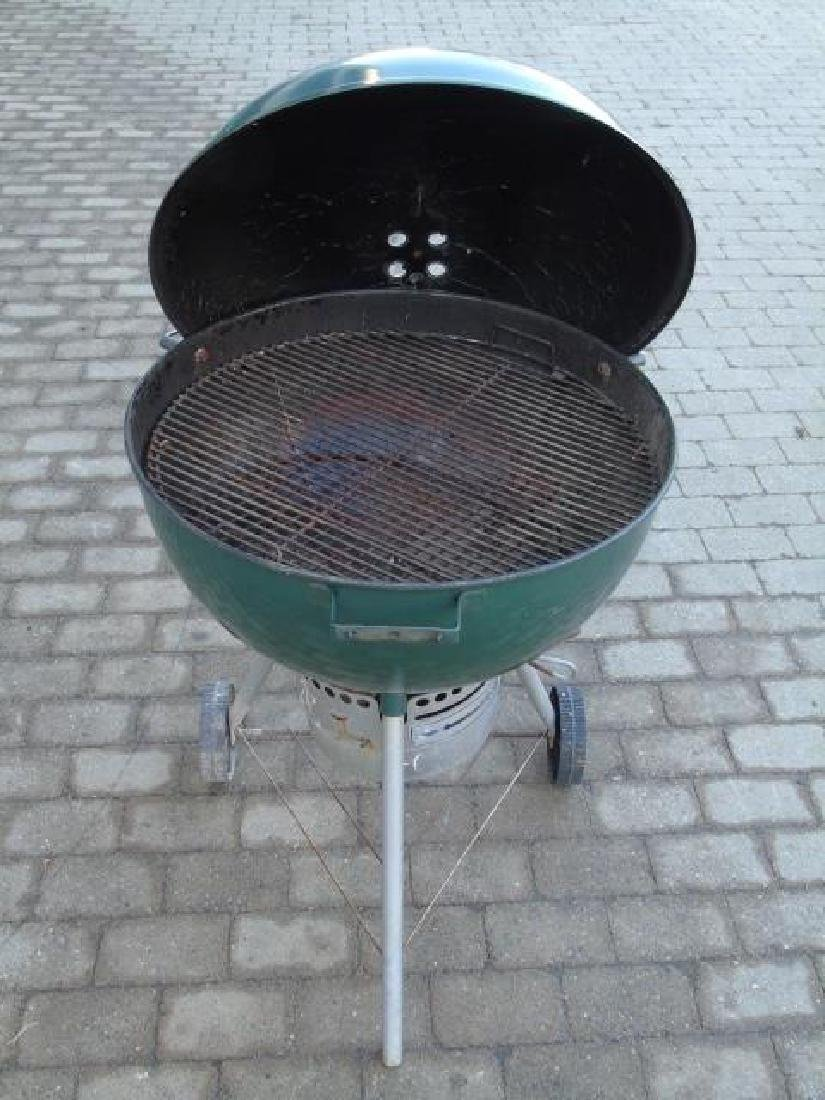 Late Model Weber Outdoor Grill in Hunter Green - 3